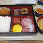 かねまつ食堂 - 料理写真:日替り¥800-