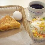 ヴィドフランス - モーニングAセット<クロックムッシュ>、コールスローサラダ