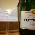スタンドシャン食 Osaka北新地 Champagne & GYOZA BAR - シャンパン  テタンジェ ブリュット レゼルヴ