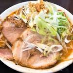 手打ち麺処 暁天 - みそラー麺(910円)