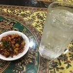 セイロンカリー - ひよこ豆のテルダーラ、黒霧島水割り