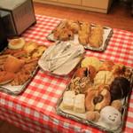 AOI Bakery - モーニング用のコーナー