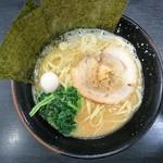 すずき家 - 料理写真:2017年10月 醤油ラーメン(並) 700円