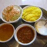 北インド料理ガガル - Cランチ ライスは白米とビリアニライスから選べます