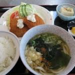 お多福 - 料理写真:白身魚フライ定食