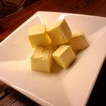 ビトレス - 珍味・クリームチーズの純米酒粕漬¥380