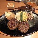 7556883 - 炭焼き和牛ハンバーグステーキ 200g(デミグラスソース)