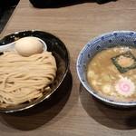六厘舎 TOKYO - 味玉つけめん(930円)