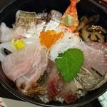 75564885 - 地魚海鮮丼 1500円(抜)
