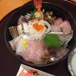 75564892 - 地魚海鮮丼1500円(抜)