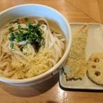 讃岐うどん いそや - 料理写真:【2017/10】ひやかけ中+天ぷら2品