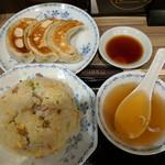 75569001 - 【2017/10】餃子3個+チャーハン