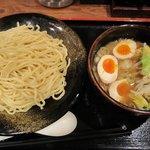 つけ麺 てつ蔵 - 「野菜つけ麺 大盛330g+味玉(\750+\100)」。