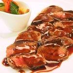 75572526 - ランチコース 4210円 の蝦夷鹿モモ肉シンシンのステーキ