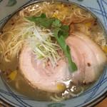 塩元帥 - 塩らーめん(´∀`)麺大 熱いスープ誠実