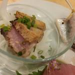 福島壱麺 - 刺身盛り-天然鰤の藁焼きスモーク