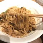 ダイキ麺 - カレー台湾まぜ麺(800円)麺リフト