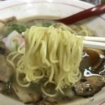 しあわせのらーめん ミゥ - とんこつラーメン(650円)麺リフト
