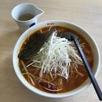 ラーメン華門 - 辛さ3倍プラス100円、割スープついておりました。