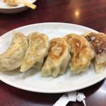 興隆菜館 - 焼き餃子