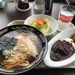 ラーメン食堂泰 - Aランチ/ミニラーメン&ミニカレー、サラダ・ドリンクバー付860円