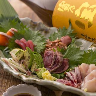 栃木県産の銘柄鶏「香鶏」をお造りで堪能