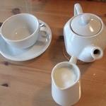 ブラン カフェ - blanc cafe 紅茶-ミルクが泡立ってます