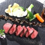 レストラン クララ - 【信州発黒毛和牛ブランド肉の藁焼き】
