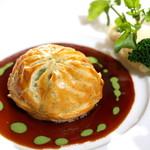 レストラン クララ - 【仔牛フィレ肉とフォアグラのパイ包み焼き】