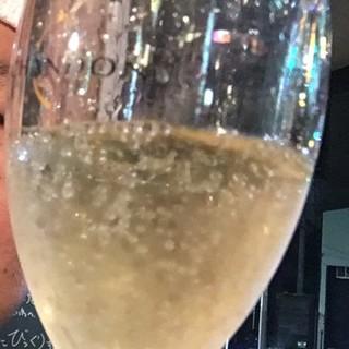 屋台のラーメン屋なのにシャンパンが?しかも東京より安いって!