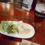 パブリックハウス ブラボー! - ポテサラ&ビール (゜∇^d)!!