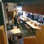 75617644 - ロフト風二階から見た店内。