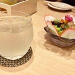 五代目 花山うどん - 柚子レモン酒ソーダ割り 680円