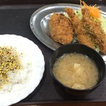 レストラン ポパイ - 海老フライ+カニクリームコロッケ 950円