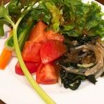 欧風食堂Kaede - サラダバー(盛り付け例)