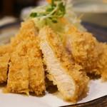 とん太 - 料理写真:特ロースかつ定食(2160円)