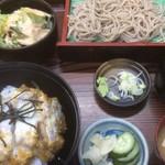 境屋食堂 - 料理写真:かつ丼と常陸秋そばのせいろランチ(1000円)