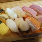 魚路 - 料理写真:・「・「お気軽セット 9貫(\929)」+「中トロ(\259)」