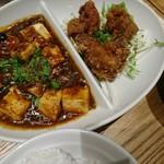 紅虎餃子房 - セットメニュー(油淋鶏+四川マーボー)