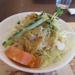 藤蔵 - 料理写真:最初にランチのサラダが運ばれて来ました、サラダは特製ドレッシングのかかった野菜サラダです。