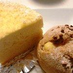 ケーキヤシュシュ - シュークリームとチーズケーキ