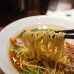 中華そば煮干しや - 麺リフト~
