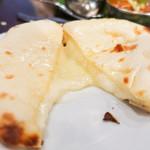 ダバ インディア - チーズクルチャ