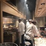 旬魚季菜 一滴 - カウンターの雰囲気