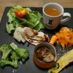 鉄板バル CHELSEA - 前菜とスープ