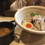 真道 - 松阪豚焼豚つけ麺
