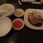 宏亜楼 - 海南鶏飯 (海南チキン+チキンライス)