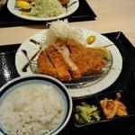 かつ久 - とんかつ定食¥990
