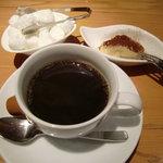 7567758 - コーヒー&自家製ティラミス