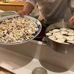 たきや - 本日の松茸と出汁
